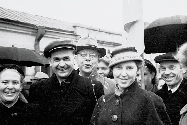 Left to right: V. V. Khvostova, D. K. Belyaev, N. A. Plokhinskiy, T. A. Toropanova. May of 1958