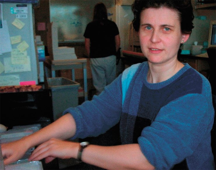 Elena Seraia at her workplace in the Stanford Functional Genomics Facility, 2002