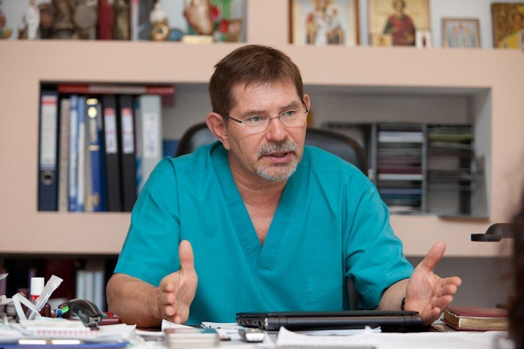 Alexander Mikhailovich Chernyavsky, Doctor of Medicine, Professor, is Director of the Center for the Surgery of the Aorta, Coronary and Peripheral Arteries with the Novosibirsk Research Institute of Blood Circulation Pathology named after E. N. Meshalkin (NRIBCP). The photograph is the courtesy of the NRIBCP Press Service