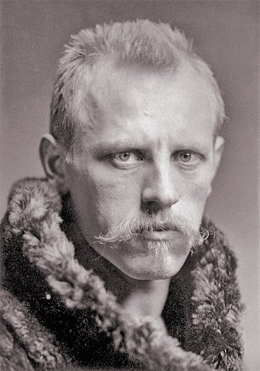 Fridtjof Nansen in 1896, after returning from the Arctic. Photo by Henry Van der Weyde. Public domain