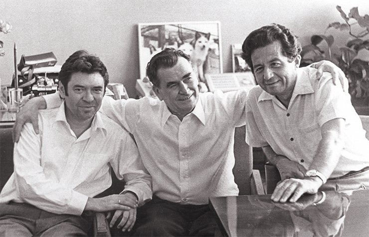 Director D. K. Belyaev (center) and his deputies for science V. K. Shumnyi (left) and R. I. Salganik (right)