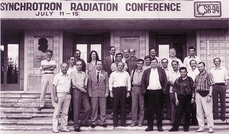 At first, chemists were just listeners and students at synchrotron radiation conferences, which necessarily included the FEL section