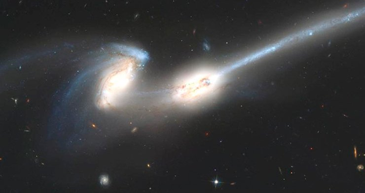 Взаимодействующие галактики NGC 4676, или «Мышки». Фото: NASA, Hubble Space Telescope, Advanced Camera for Surveys