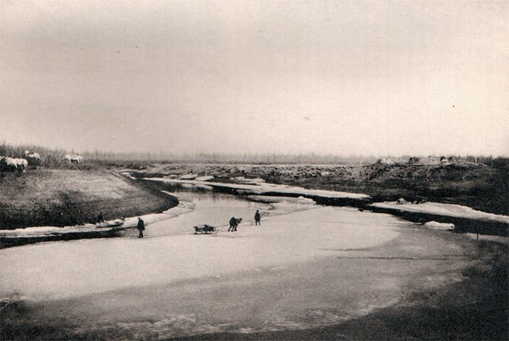 Crossing the Alazeya River. Photo by Sedov. From: (Tolmachoff, 1911)