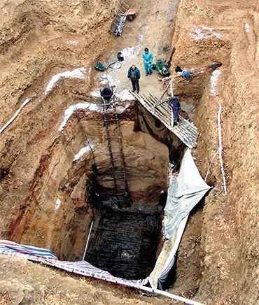 Раскоп 20-го кургана из Ноин-Улинского могильника хунну. Северная Монголия, 2006 г.