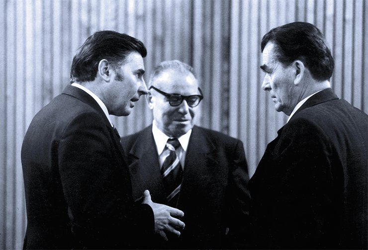 SB AS USSR top executives at work. G. I. Marchuk, A. A. Trofimuk, and D. K. Belyaev