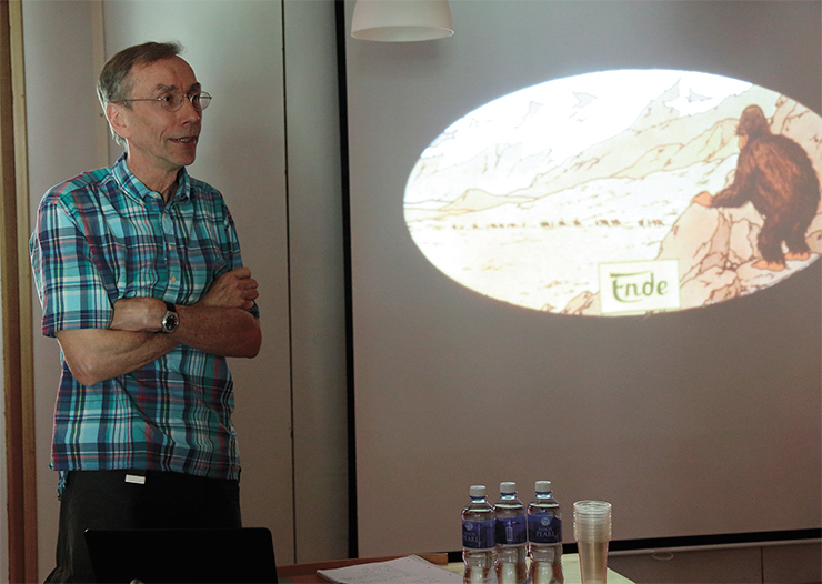 The ancient DNA extracted from the human fossil remains from the Denisova Cave was studied by the researchers of the laboratory led by Prof. S. Pääbo, Max Planck Institute for Evolutionary Anthropology (Leipzig, Germany). On the photo: S. Pääbo talking at the international archaeological symposium. Gorny Altai, July 2018. Photo by S. Zelensky