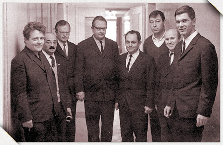 Lavrentyev's students from MIPT, who moved to Novosibirsk in 1958 to work at the Institute of Hydrodynamics. Left to right: Yu. A. Trishin, M. E. Topchiyan, V. V. Mitrofanov, B. V. Voitsekhovsky, L. A. Lukyanchikov, Yu. I. Fadeenko, V. L. Istomin, and V. M. Titov. The photo was taken in 1970 at the anniversary of the establishment of MIPT. From the archive of the Lavrentyev Institute of Hydrodynamics SB RAS