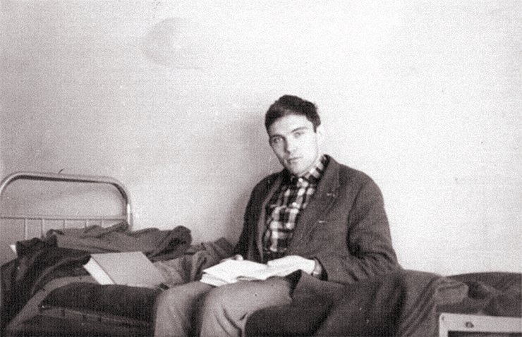 Cramming at the dormitory of Novosibirsk State University. Photo from the author's archive